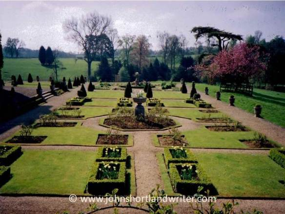 Kiddington Hall 2001 copyright