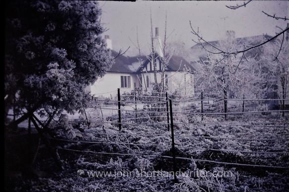Hawthorne Cottage Xmas 1970 watermark